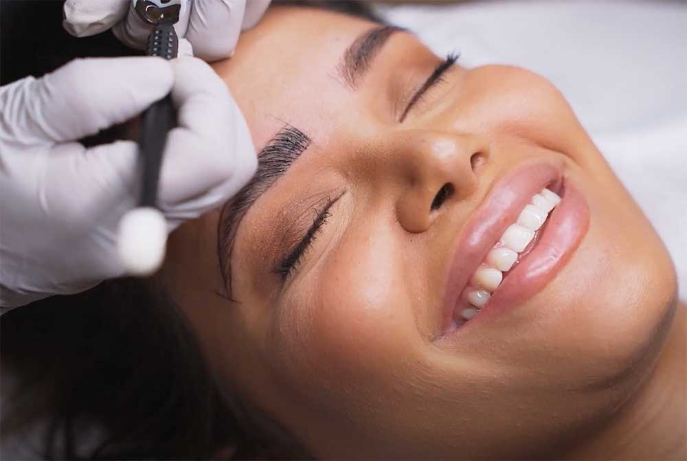 Who is the best candidate for microblading?