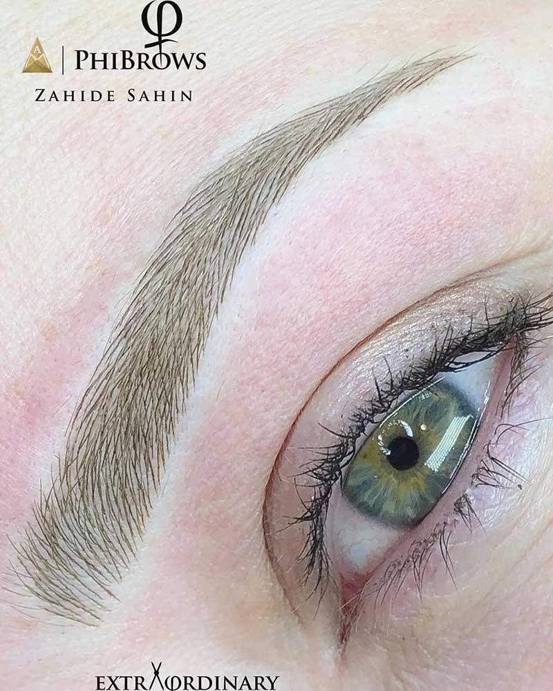 Nano blading eyebrows