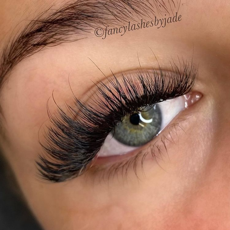 What Happens If I Cry With My Eyelash Extensions?