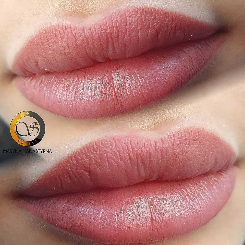 Aquarelle Lips - All About the Most Popular Lip Blush Technique