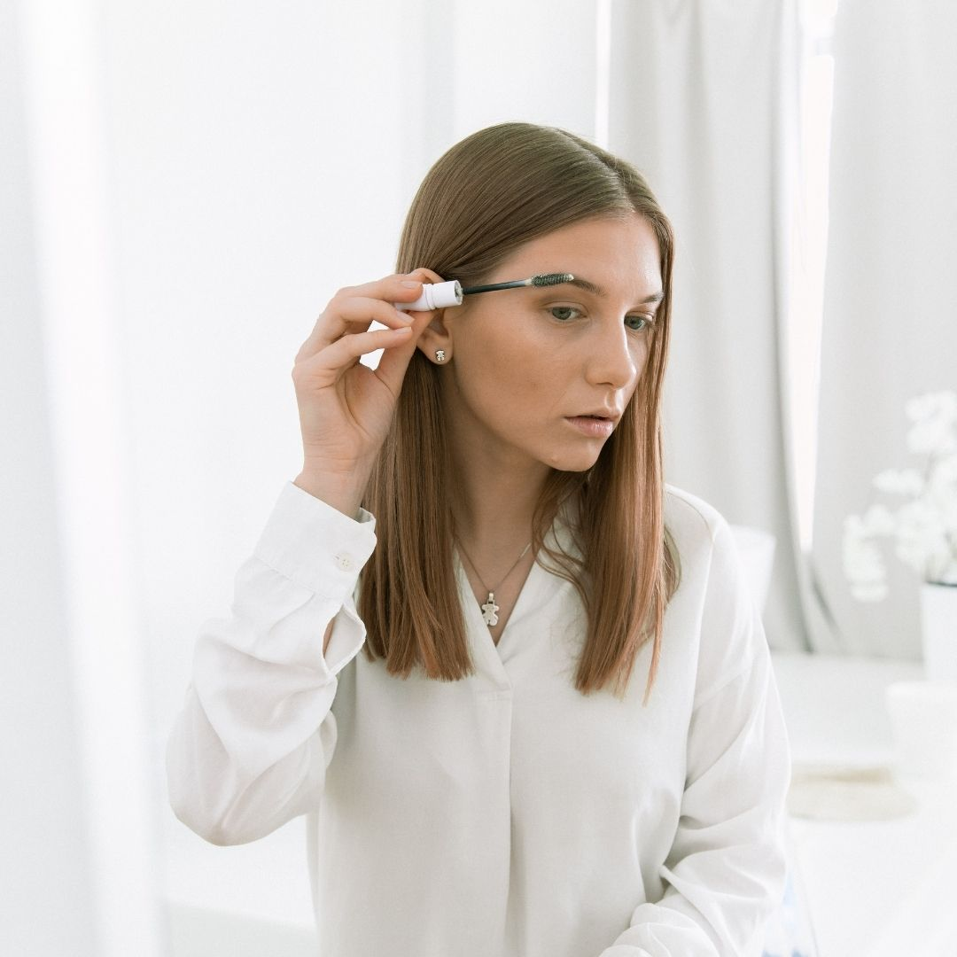 Fiber eyebrow gel vs microblading