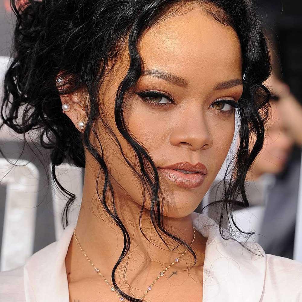 Rihana permanent makeup brows